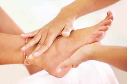 duzzanat és zúzódások a kar ízületén fájó és duzzadt lábak