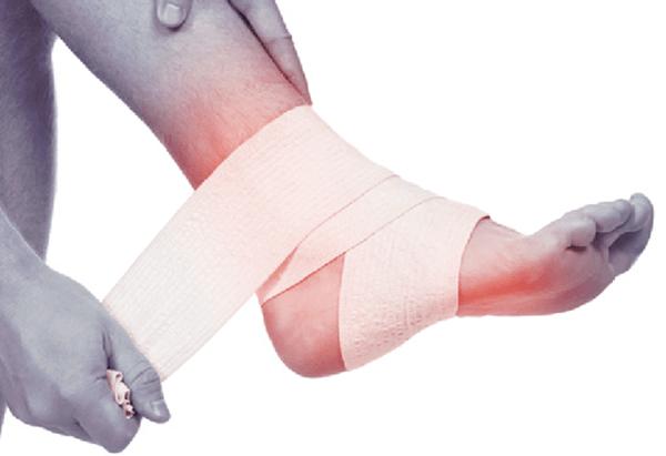 fájdalom és a boka ízületei között