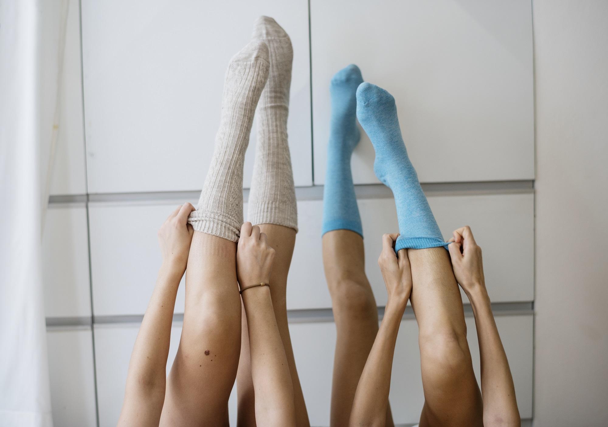 állandó fájdalom a láb ízületeiben)