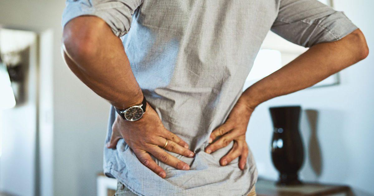 hidegrázás és fájdalom a csípőízületekben