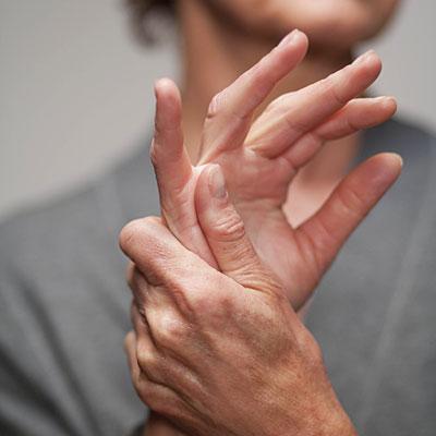 köszvényes izületi gyulladás a kezén