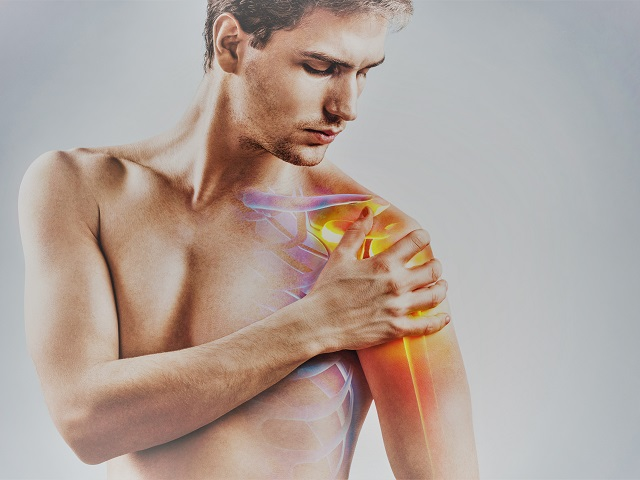 fájdalom és duzzanat a vállízületben