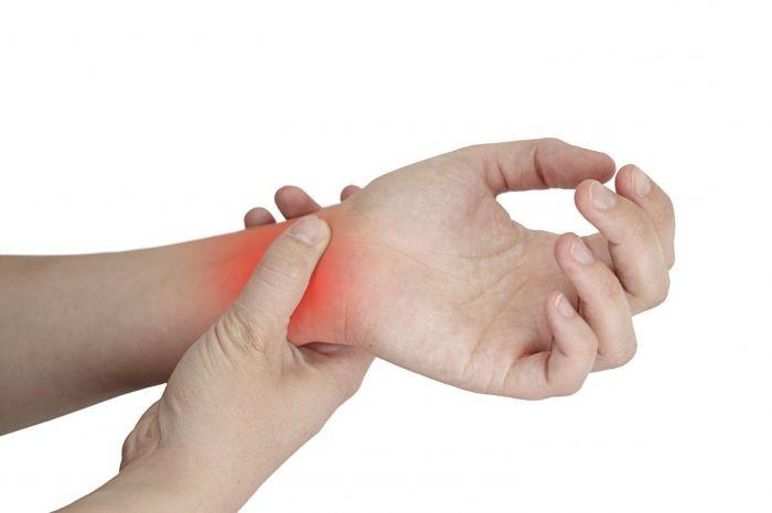 fáj a bal ujj ízülete)