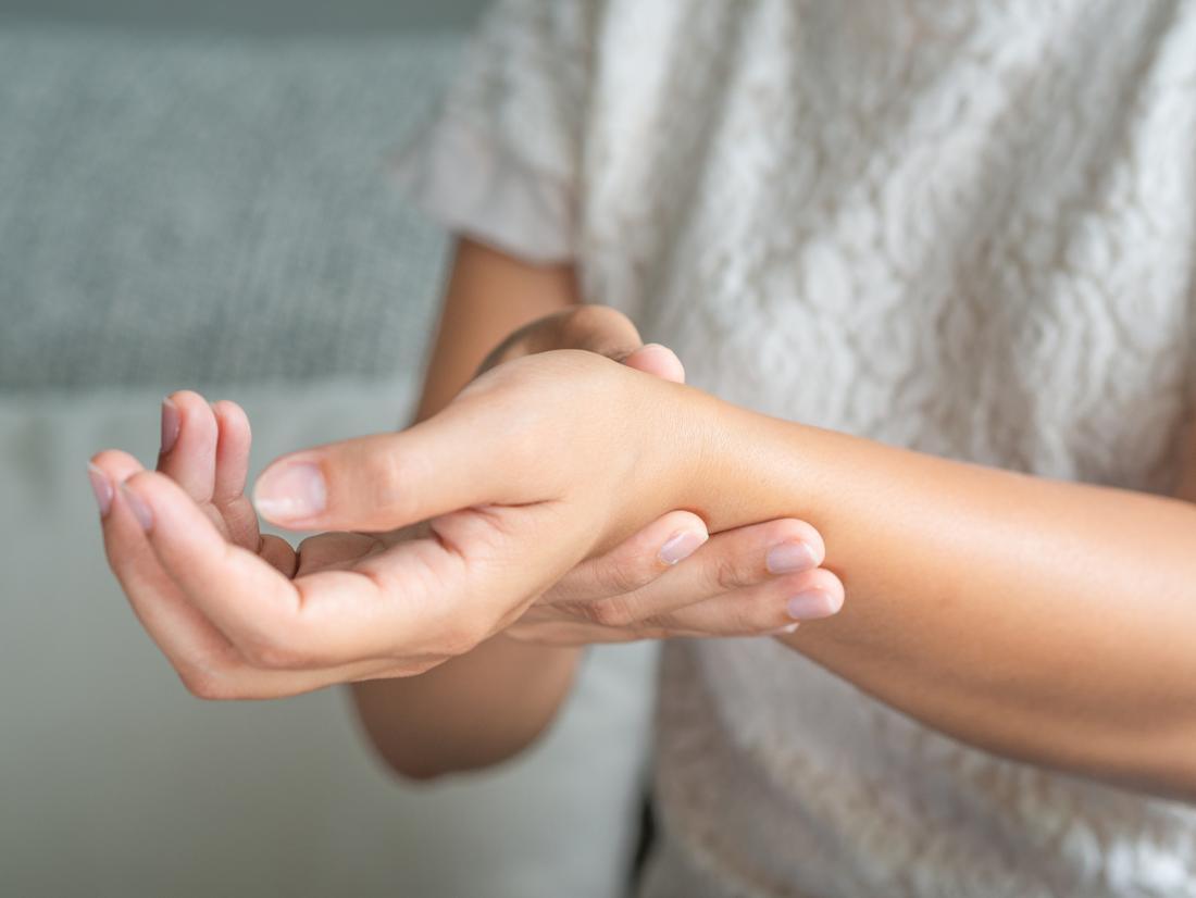 Az ízületi gyulladás első jelei