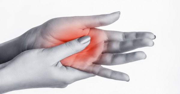 éles fájdalom az ujjak ízületeiben