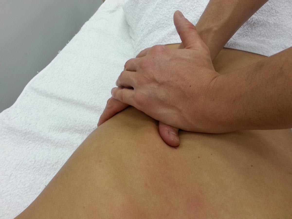 izületi gyulladás kézen kezelése fájó láb a boka fájdalma