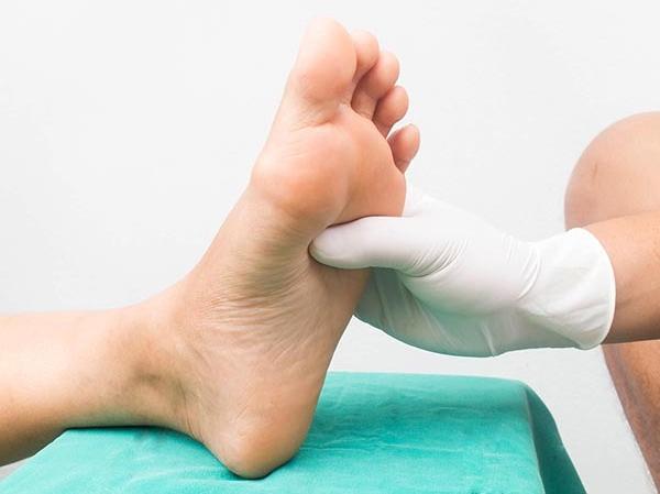 csukló és ujjak ízületeinek kezelése kondroxid kenőcs az oszteokondrozis értékeléséhez