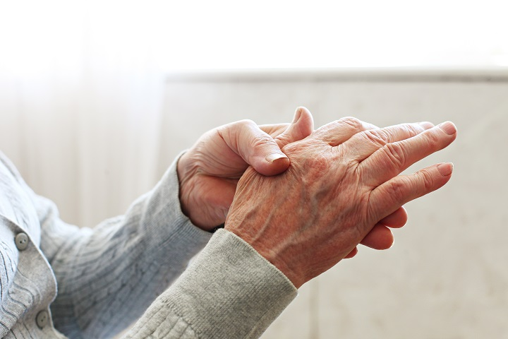 kéz artritisz gyógyszeres kezelés)