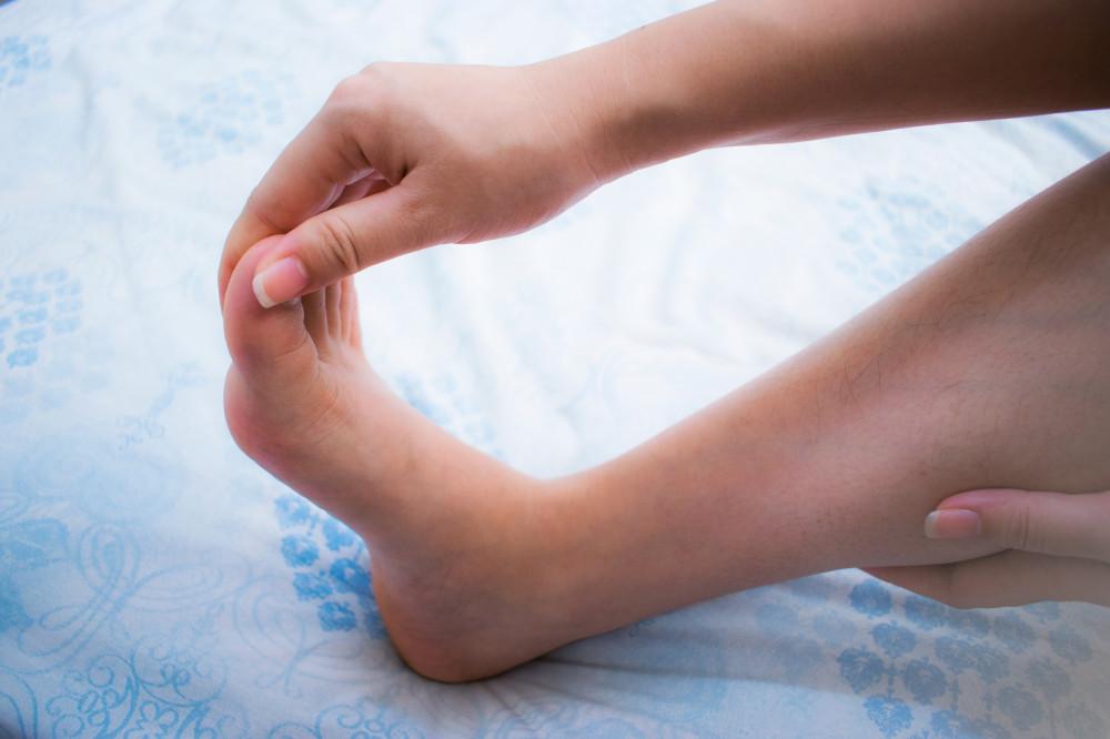 kis lábujj zsibbadás nagy lábujj ízületi fájdalmak áttekintése