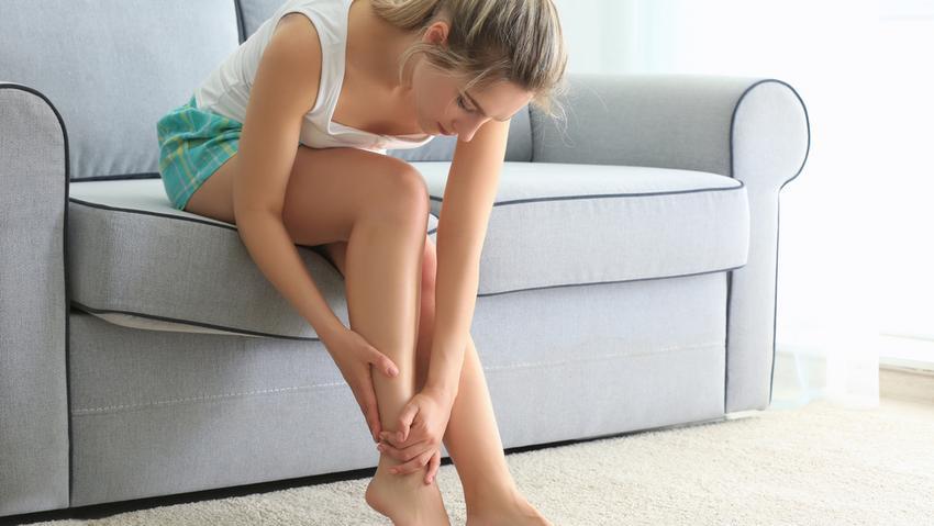 a csípőből származó fájdalom a láb felé sugárzik