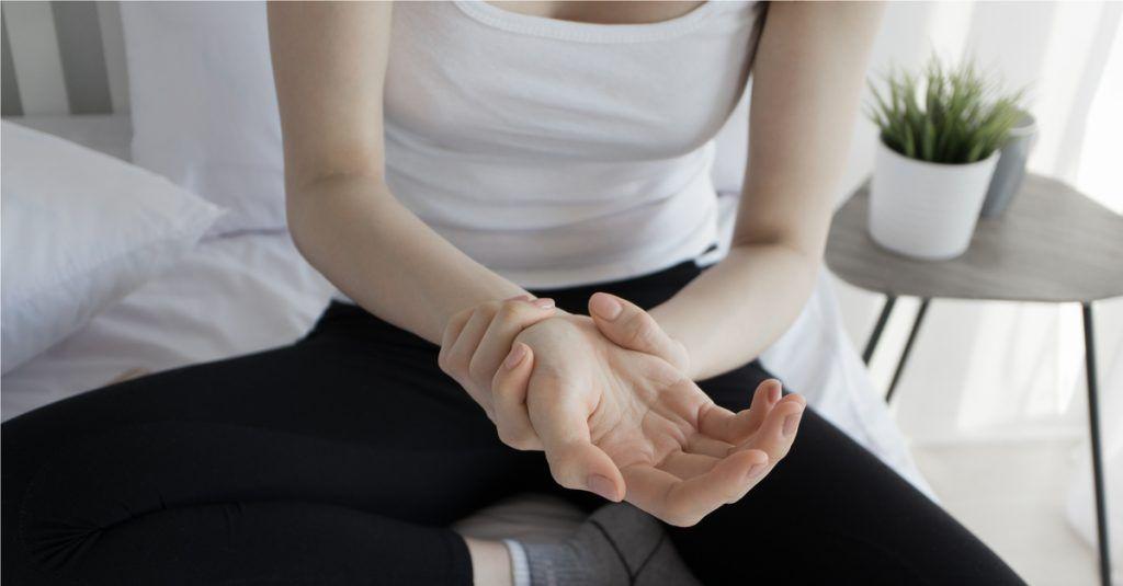 masszázs a lábízületi gyulladás kezelésében a kéz artrózisa és kezelő kenőcs