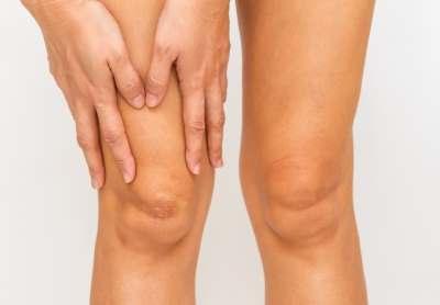 a térdízületi fájdalomra melyik orvos)