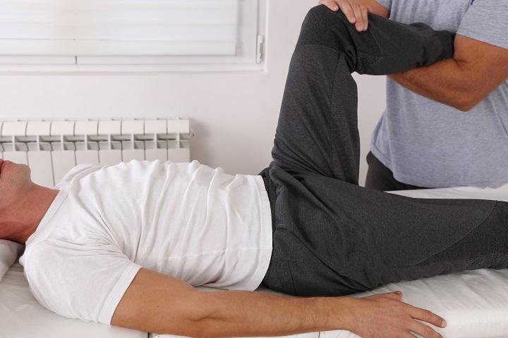 lehetséges-e melegedni a térdízület fájdalom esetén