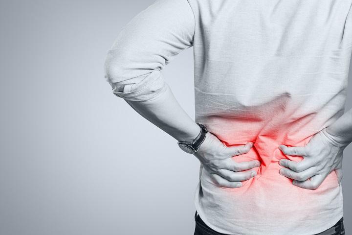 égő fájdalom a gerincben)