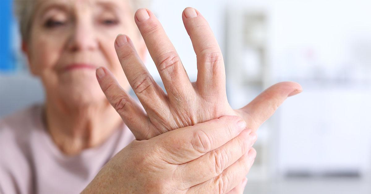 fájdalom az ujjak ízületeiben zúzódás után