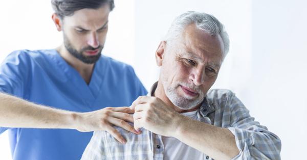 Fájdalom a jobb kéz vállízületében: okai, betegség jelei, kezelés