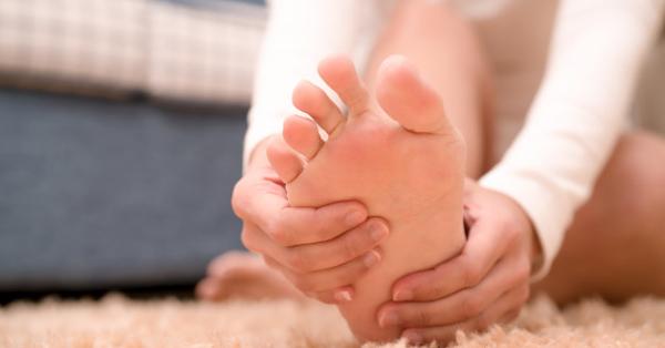 zsibbadás a karok és a lábak ízületeiben)