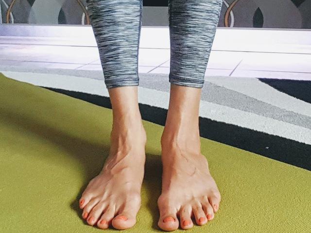fáj a bal láb ízülete)