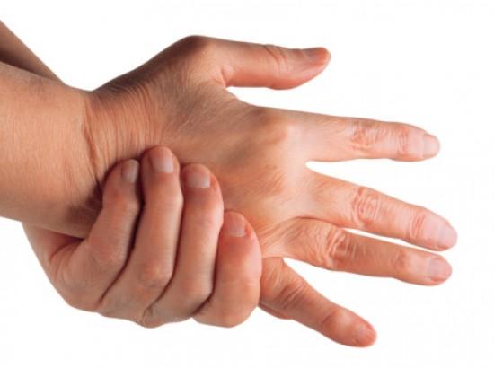 a középső ujj ízületének ízületi gyulladása