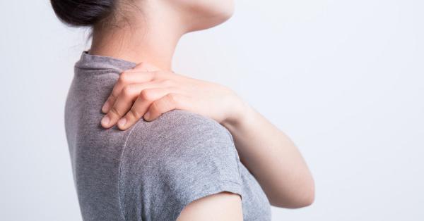 szúró fájdalom a jobb vállban