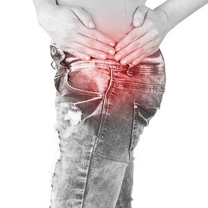 fájdalmat okoz a csípőízületben