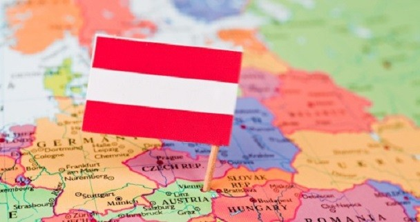 osztrák közös felkészülés)