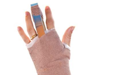 fájdalom az ujjak ízületeiben zúzódás után)