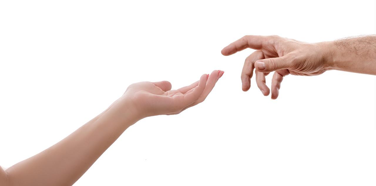 fájdalom az ujj ízületében, mint hogy kezeljék