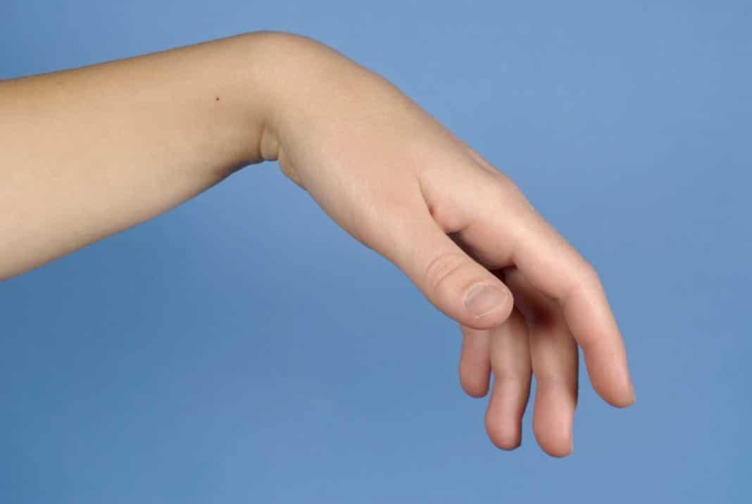 az ujj falának ízületének károsodása
