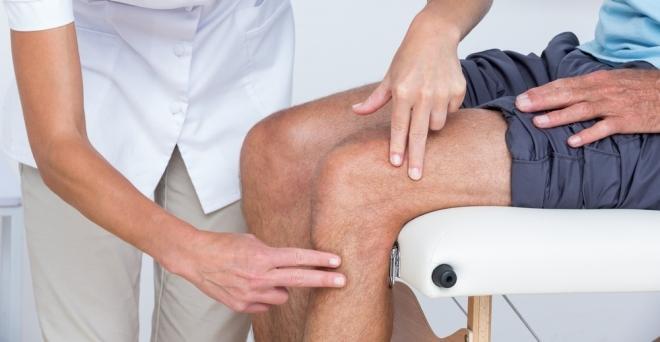 mi kezeli a térd izületi gyulladást
