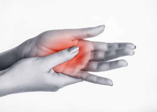 fájdalom a kezek izmaiban és ízületeiben