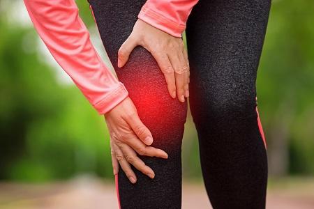 térdízületi fájdalom futás közben)