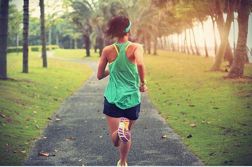 futás utáni térdfájás)