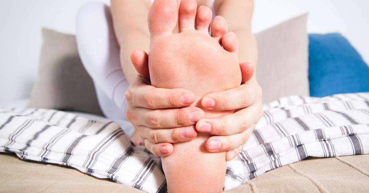 a nagy lábujj ízülete valóban fáj)