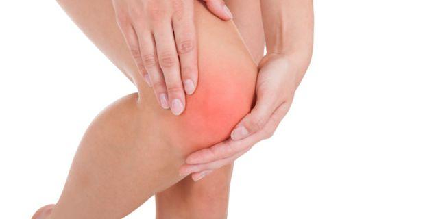 Mit tegyünk, ha fáj a térdkalács?