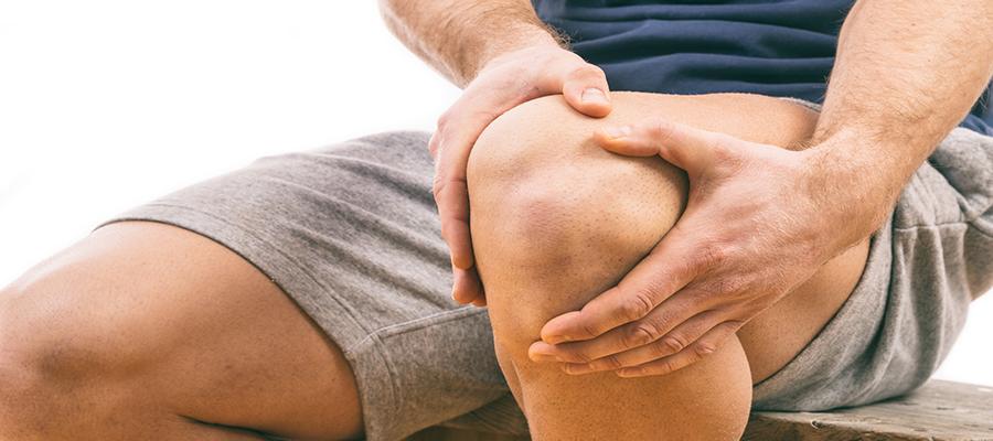 a térdízületek gyulladása okoz sérülések a vállízület elmozdulása miatt