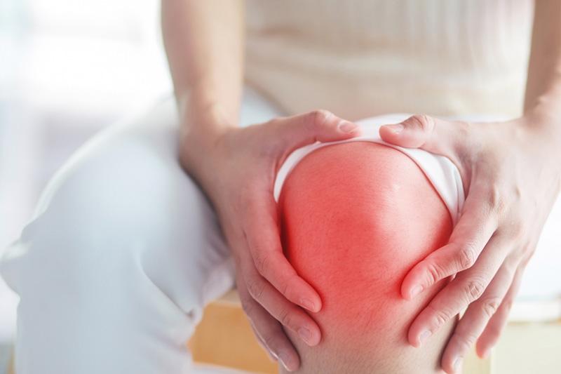 premenstruációs szindróma ízületi fájdalom)